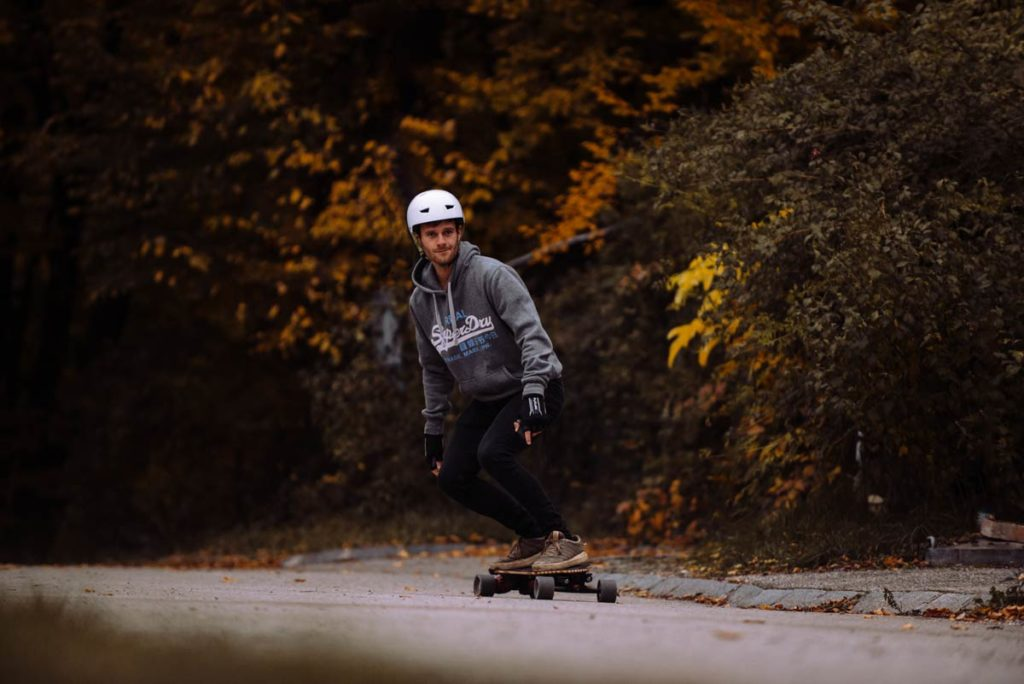 man riding meepo nls belt